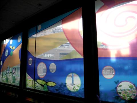 圖片4: A案:「校門公共空間」-成長之歌.童言童語 - 玻璃圖案設計 Song of Growing Up - Glass Pattern Design